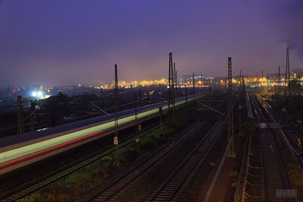 Langzeitbelichtung am frühen Morgen: Blick über die Steintorbrücke